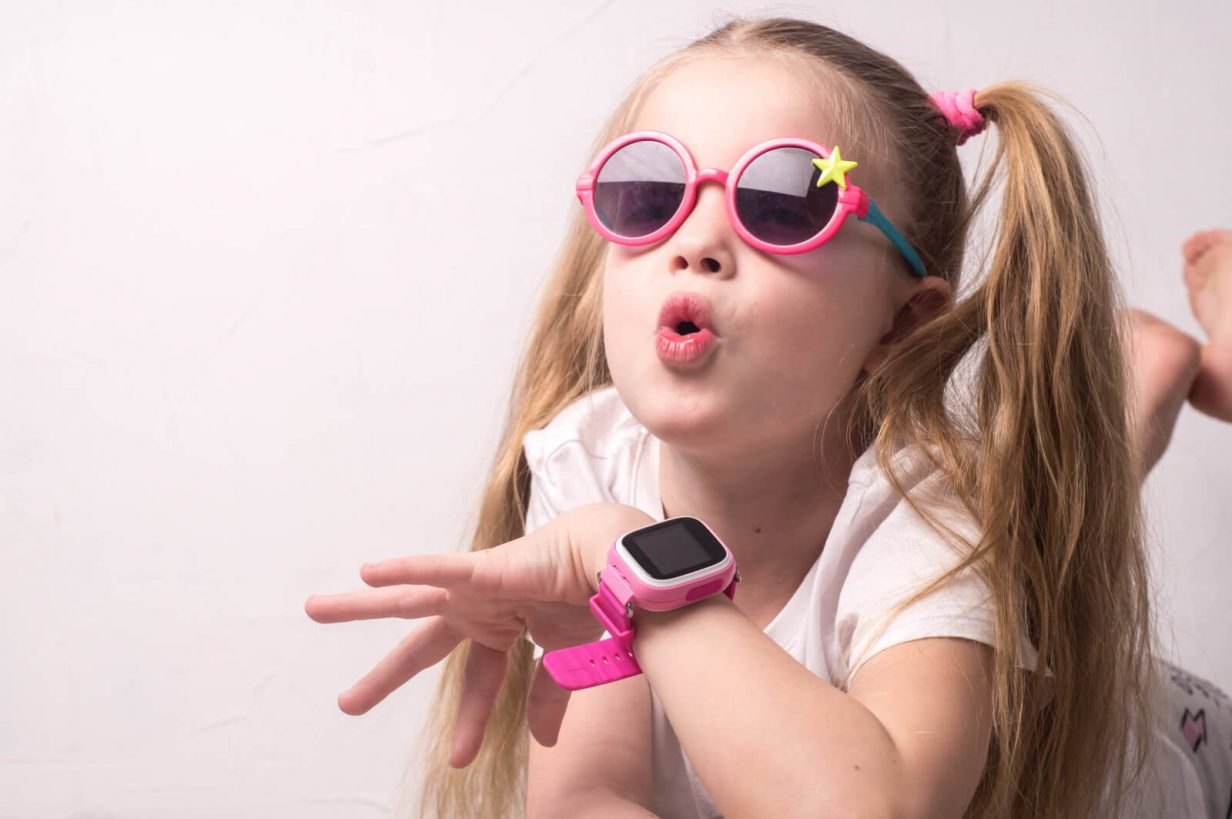 girl-with-gps-watch-for-kids