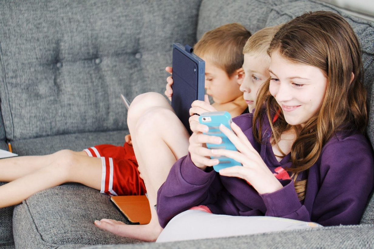 The Most Dangerous Social Media Apps And Services For Kids Teens 2021 Findmykids Blog