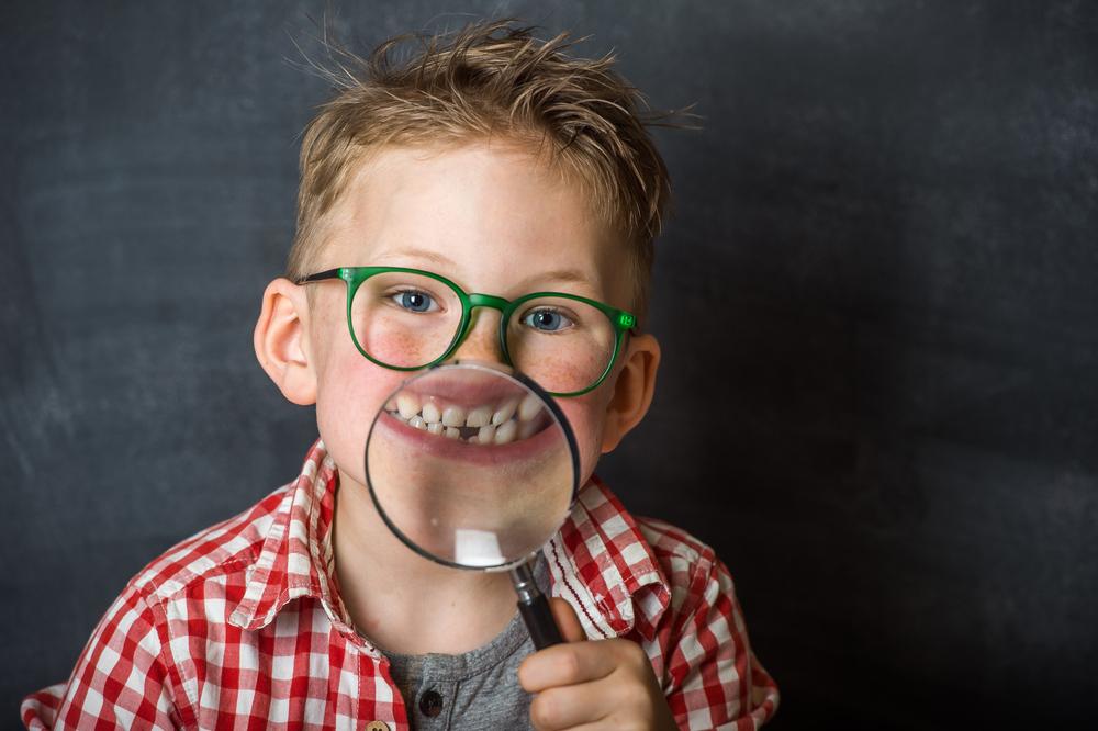 во сколько выпадают молочные зубы у детей