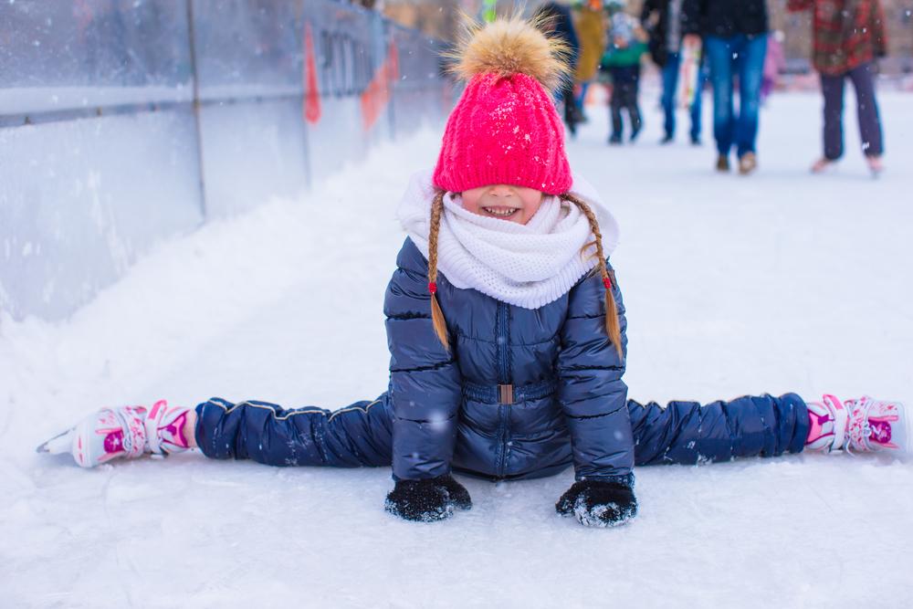 как научить ребенка правильно кататься на коньках