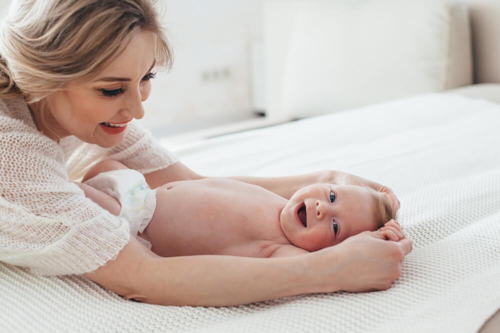 2 месяца ребенку что должен уметь