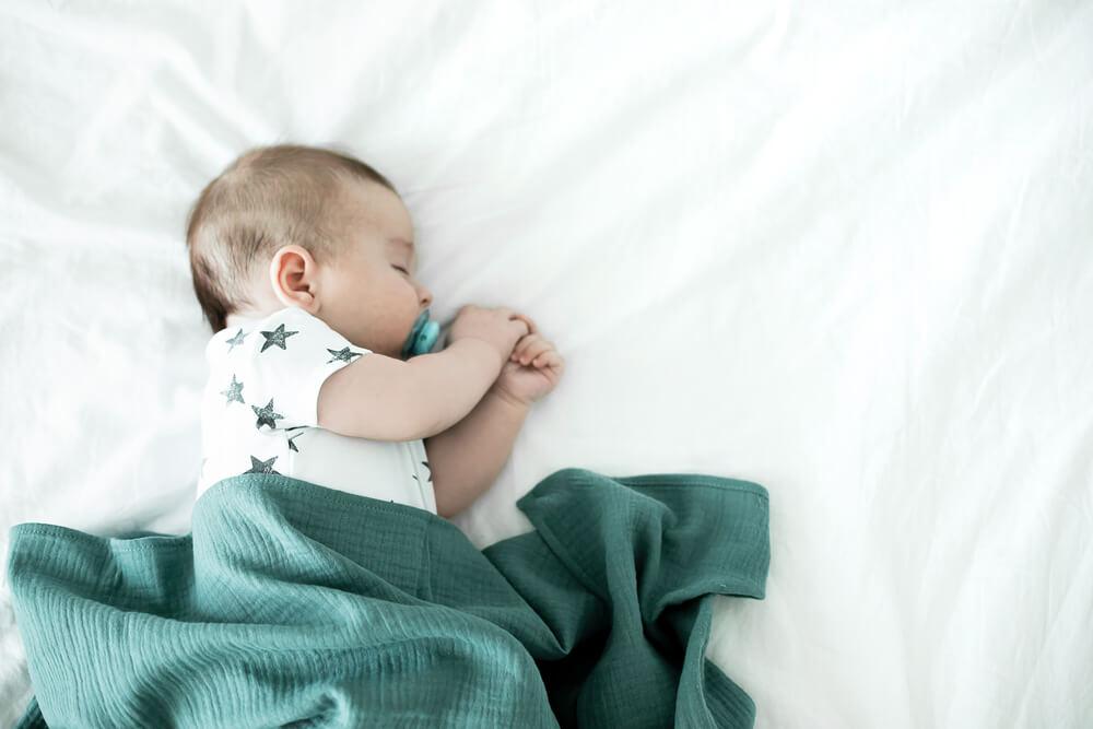 развитие ребенка в 3 месяца комаровский