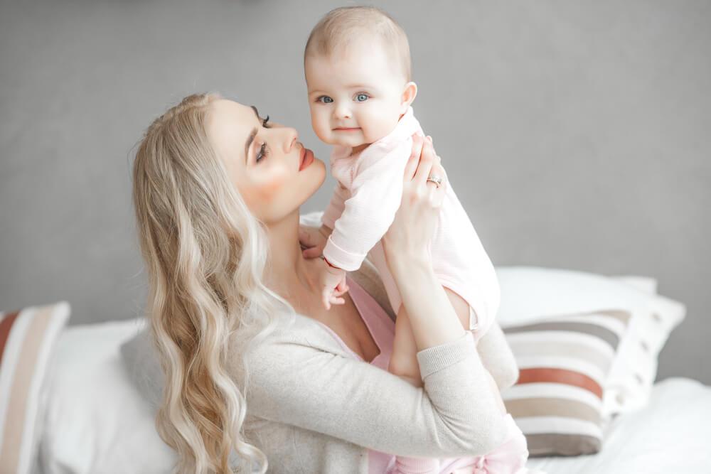 развитие ребенка в 6 месяцев комаровский