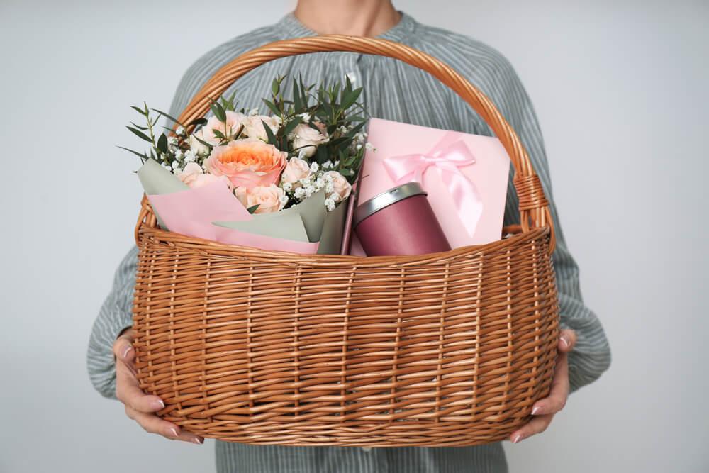 варианты подарков учителю на выпускной
