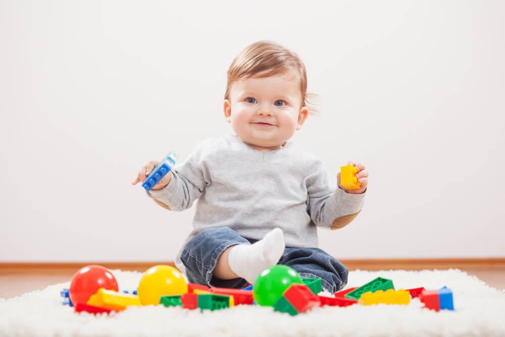10 месяцев ребенку развитие