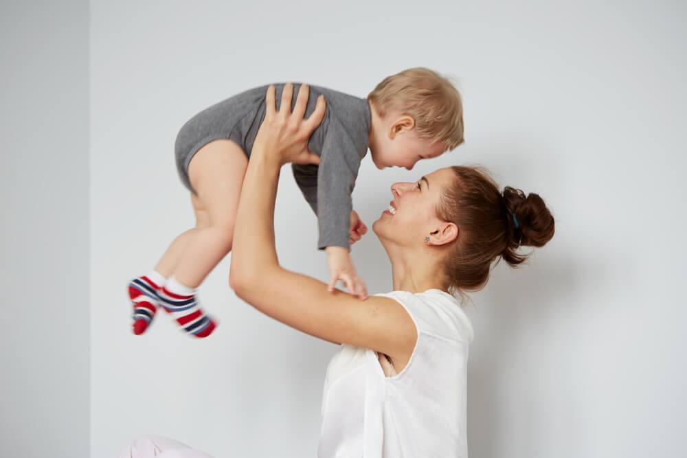 что должен уметь ребенок в 11 месяцев комаровский