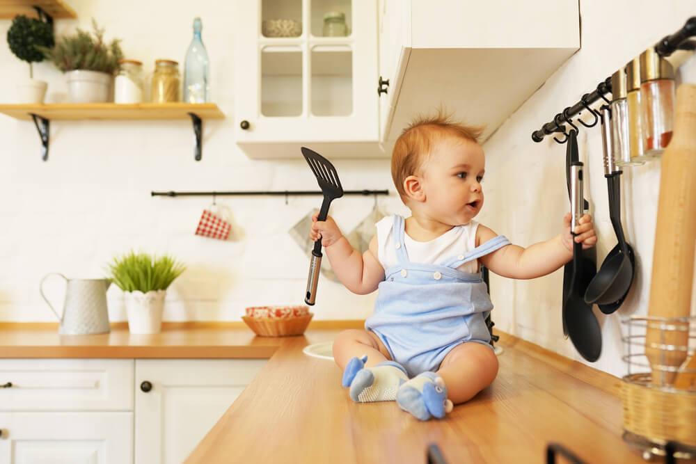 развитие ребенка в 11 месяцев комаровский