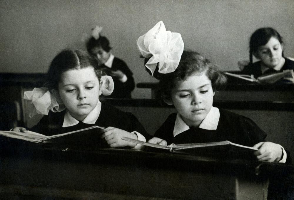сколько лет сейчас учатся в школе